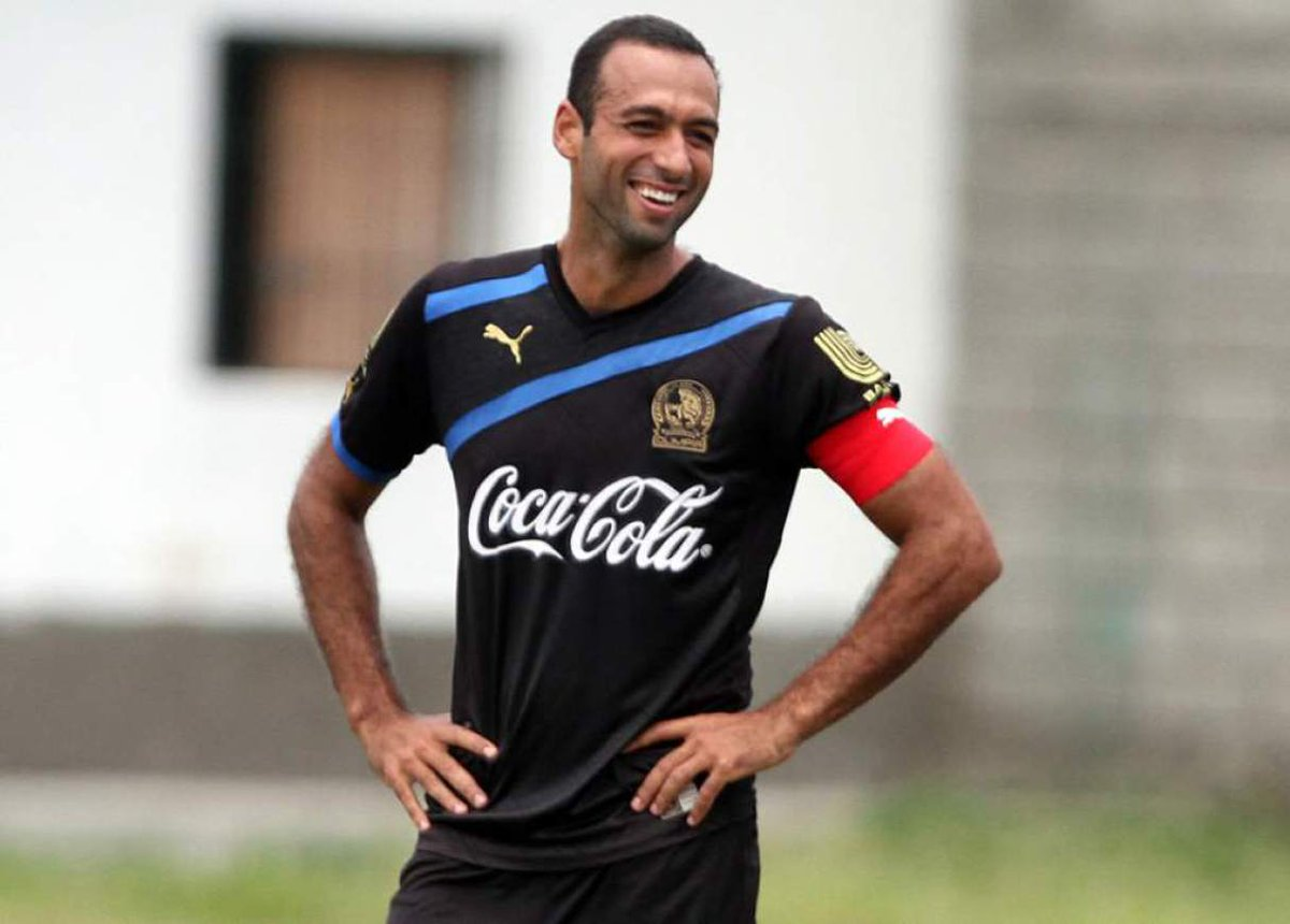 4. FABIO  DE SOUZA 🇧🇷  Jugadorazo, defensor de época, líder y amante de estos colores.  Ganó 10 títulos entre 2008 y 2017. Jugó 343 partidos 😯 anotó 16 goles, incluido el que nos dió la Copa 22 vs Real España en el Nacional. https://t.co/WfZB7RfMS2