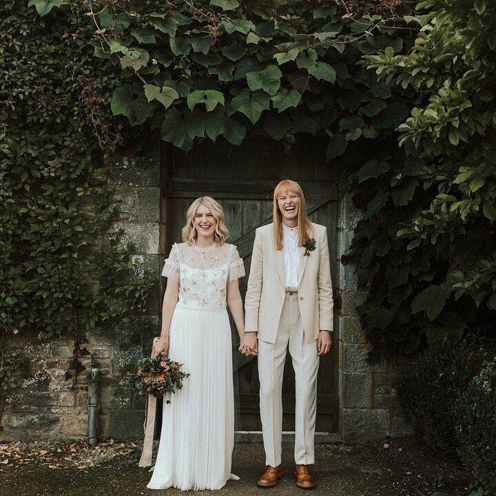 By @liannegrayphoto ⠀ ...⠀ .⠀⠀ .⠀⠀ .⠀⠀ .⠀⠀ #weddinginspiration #samelove #wedding #modernwedding #twowives #lgbtwedding #gaywedding #samesexwedding #twobrides #twobridesarebetterthanone #samesexmarriage #loveislove #pride
