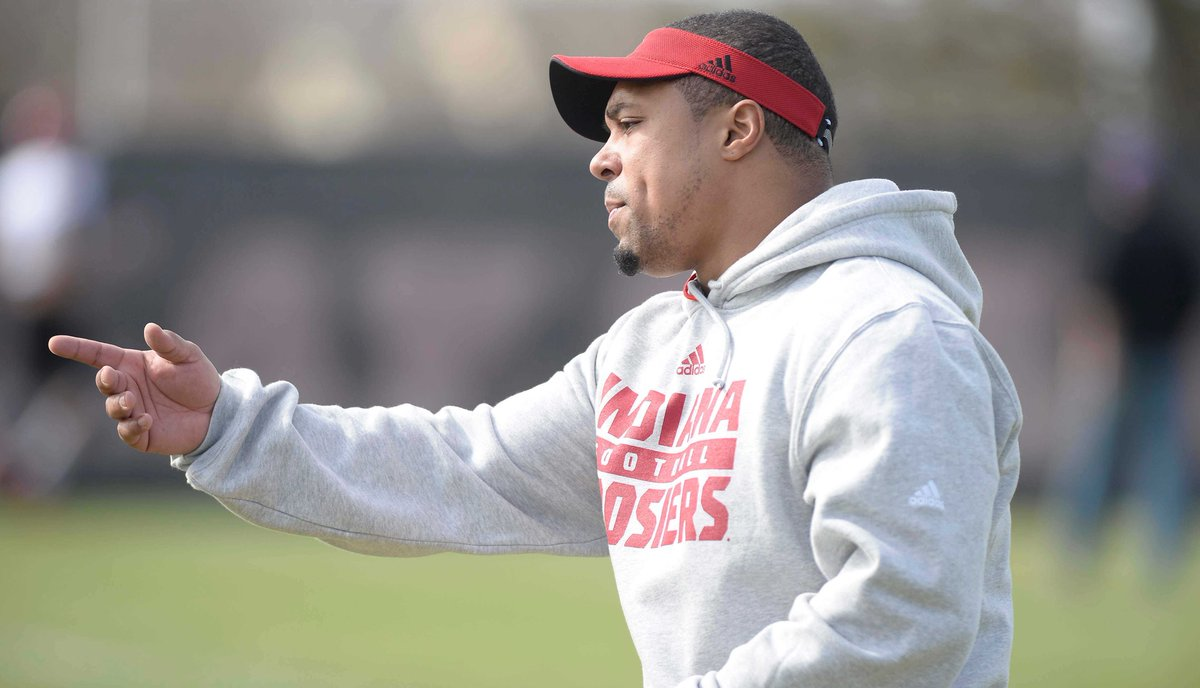 Michigan running backs coach Mike Hart's contract is for 2 years, $960K. Story from @chengelis