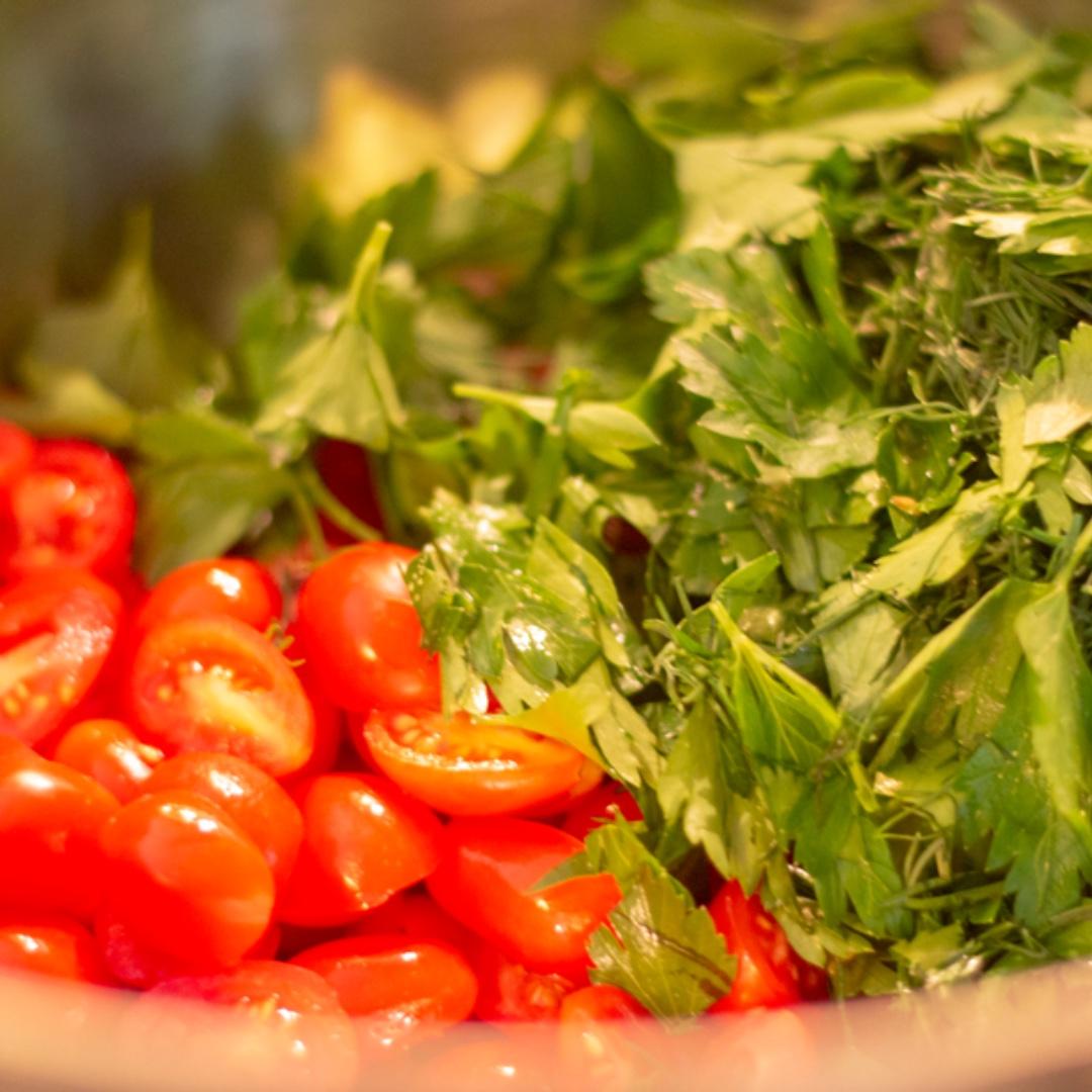 #FreshisBetter - Photographing food is a thing for me.  #love  #instaphoto #photography #photographysouls #exposure #photooftheday #photographerlover #shotwithlove #ig_shotz #shotzdelight #photographyislifee #photographyeveryday #composition #foodphotography #tomatoes
