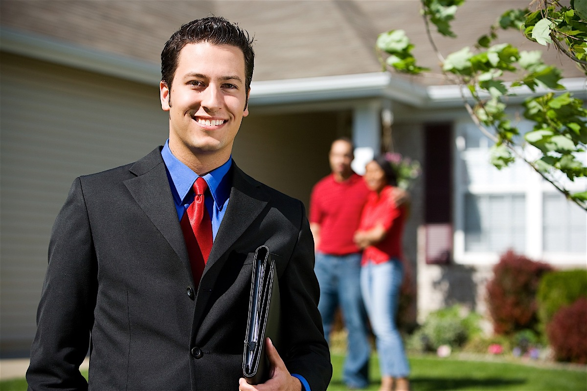 Motivated sellers typically drop the sales price so as to encourage buyers to choose their house over any others that might be available in the area .. https://t.co/oYmPFoy5xC https://t.co/yXY9g7CBrI
