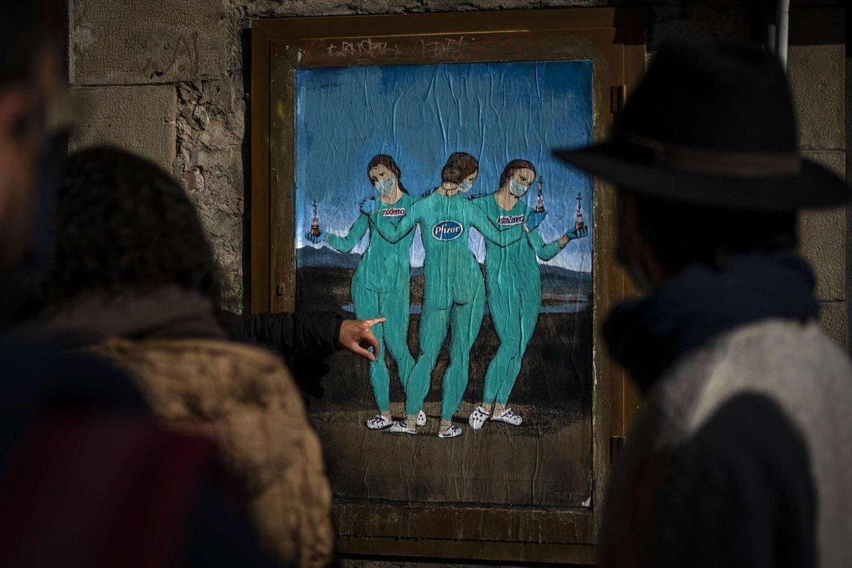 لوحة لفنان الشارع الايطالي تي في بوي تضيء على نعمة #اللقاحات