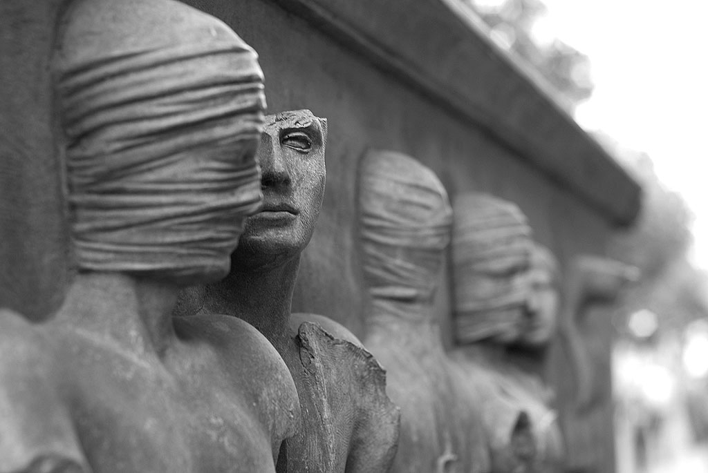 Vladimir: What do they say? Estragon: They talk about their lives. Vladimir: To have lived is not enough for them. Estragon: They have to talk about it.  ― Samuel Beckett, Waiting for Godot #Literature  #Art #Sculpture Igor Mitoraj