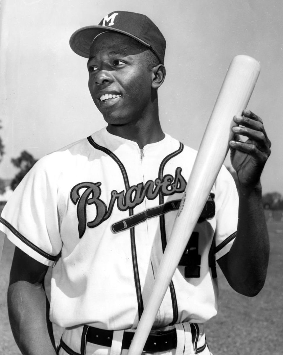 A GIANT! RIP #HankAaron ❤️💙⚾️ #GiantOfGiants #RIP to a Legend! #CivilRights #HomeRunKing #BaseballGreat