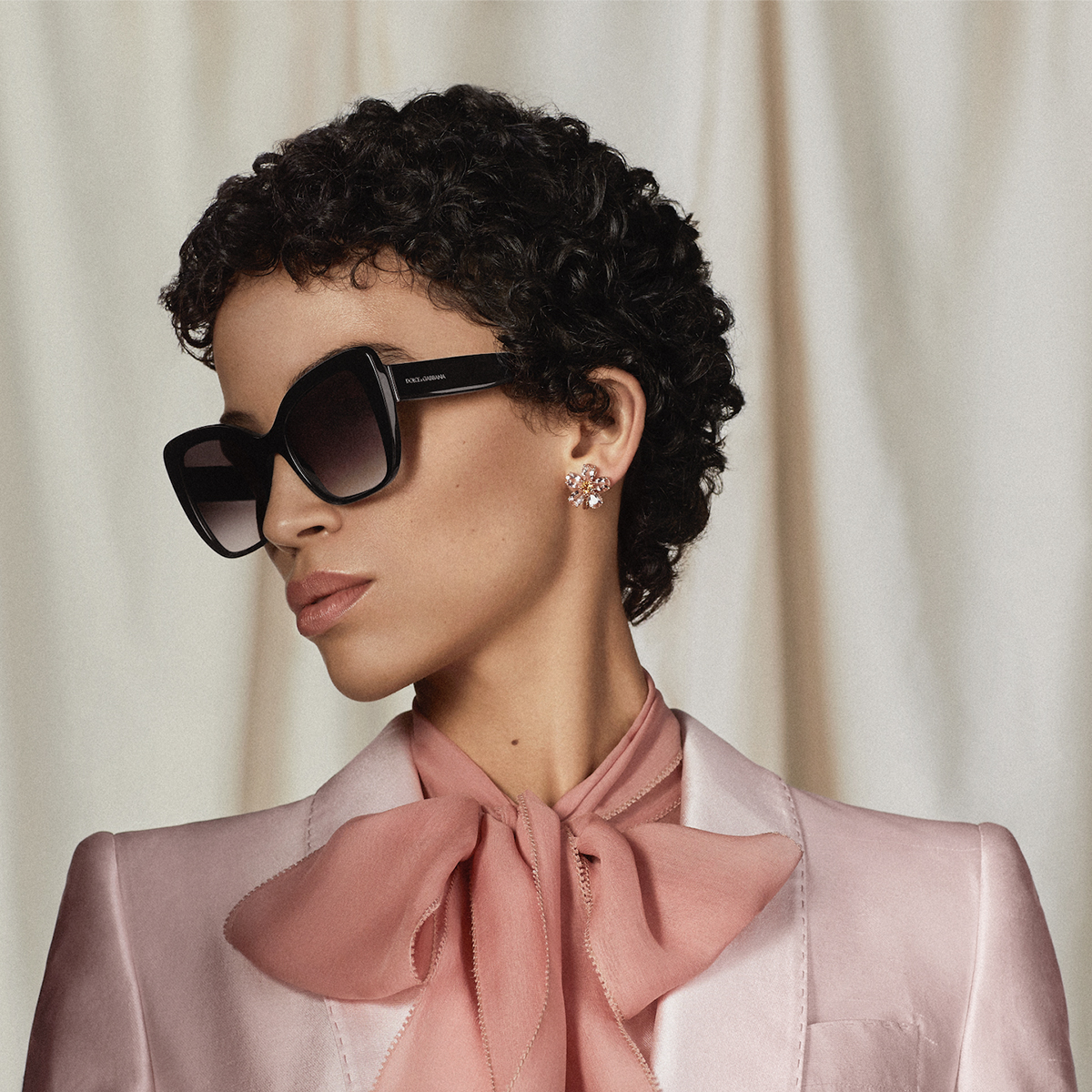 The #DolceGabbana sunglasses are characterised by a square shape and the brand's logo on acetate temples.  Discover the #DGEyewear at the link: