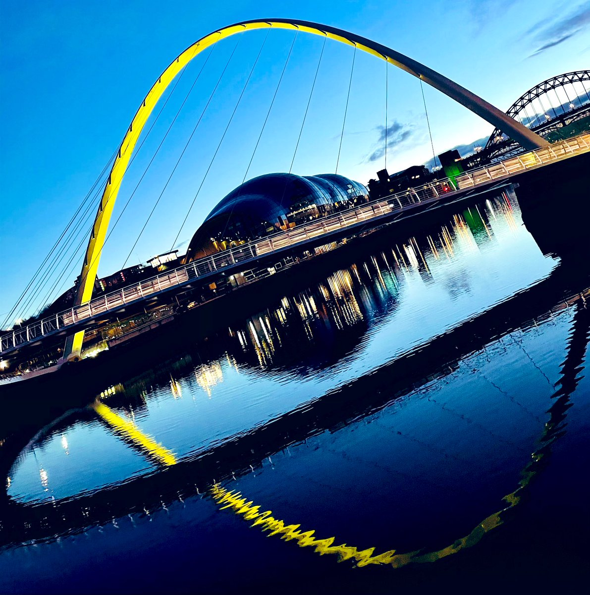 """""""#Walking brings me back to myself"""" 💛   We enjoy our daily #walks & look forward to them! It's a moment to clear our heads & chat about the day   #FridayFeeling #newcastle #quayside #photography #sostraveluk #mentalhealth #walk #exercise #lockdown #northeast"""