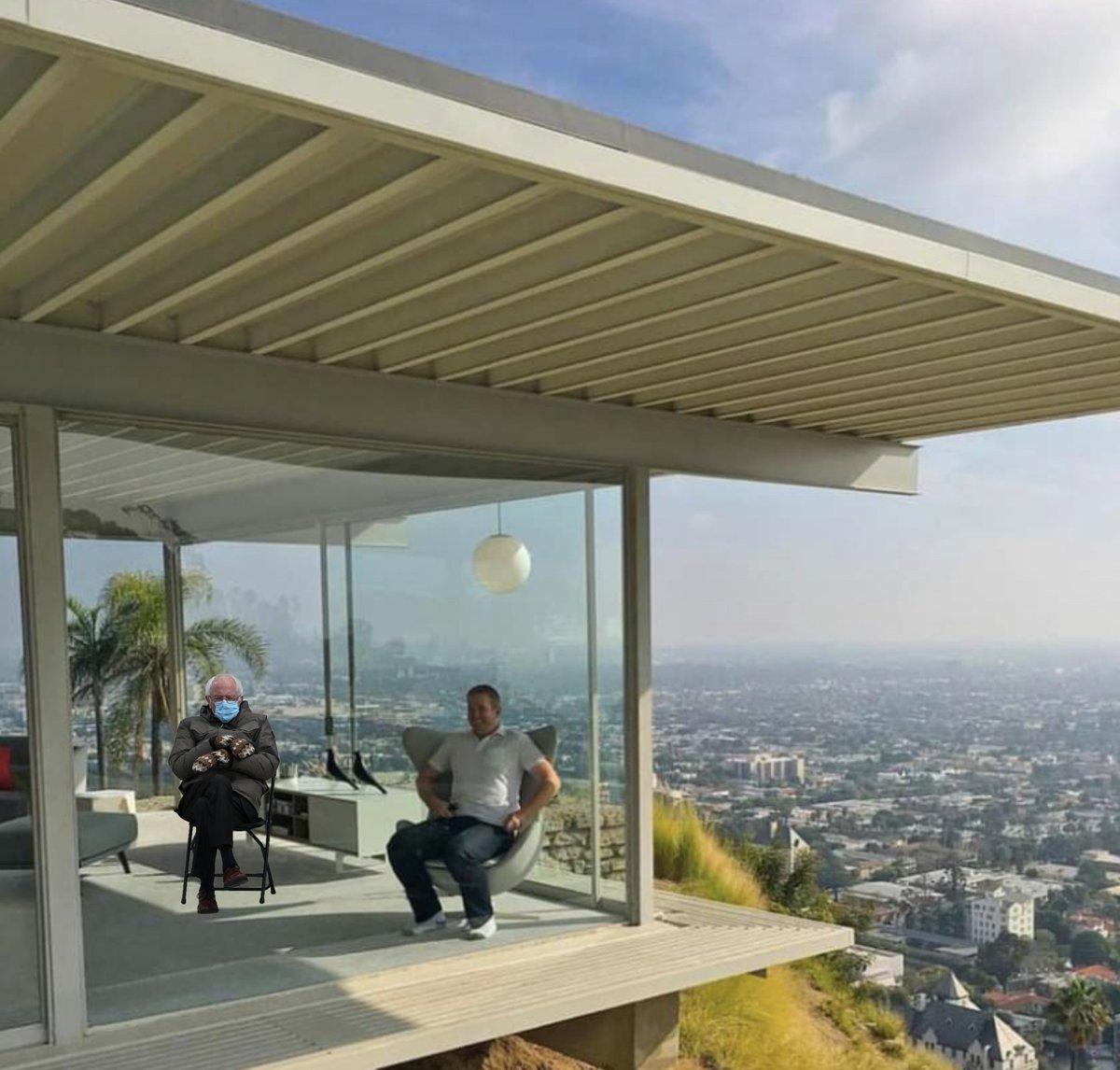 Bernie & me in da (Stahl) House....  #Bernie #mitts #StahlHouse #LA #HollywoodHills #JuliusSchulman #PierreKoenig #architecture  #architectural