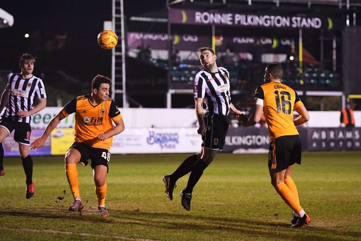 @chorleyfc @Wolves @Deliveroo Total shots on target:  @chorleyfc - 4️⃣ @Wolves - 1️⃣  The Magpies have come out fighting in this second half 💪