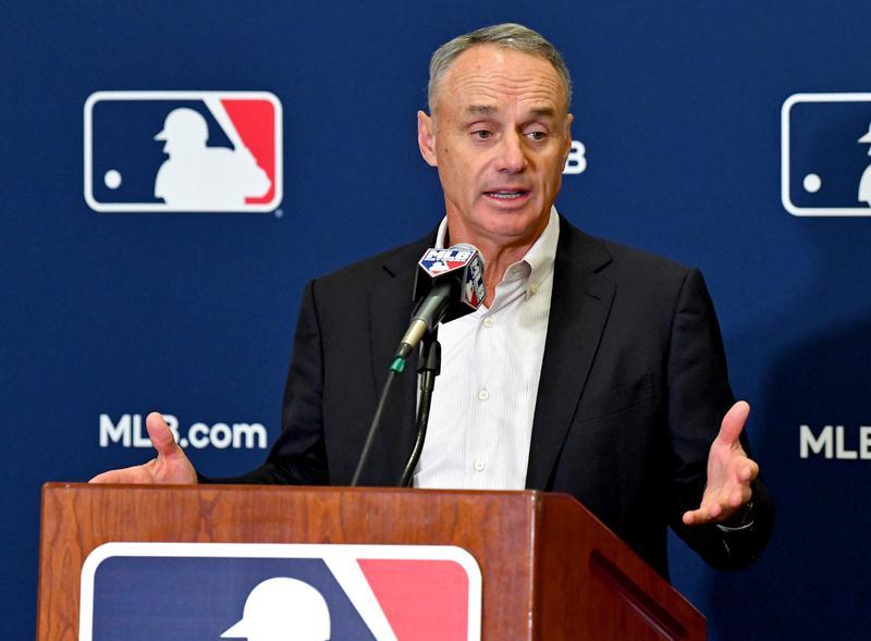 Reaction to the death of baseball great Hank Aaron https://t.co/4W7Vv2dK42 https://t.co/xkM7cQ4ArH