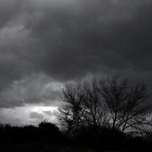Καιρός: Έντονα φαινόμενα το Σάββατο και ισχυροί άνεμοι: Οι άνεμοι θα φτάνουν στα πελάγη τα 5 με 6 και τοπικά τα 7-8 μποφόρ. Αναλυτικά η πρόγνωση του καιρού από τον διευθυντή της ΕΜΥ Θοδωρή Κολυδά. dlvr.it/Rr7zsg #καιρός #weather