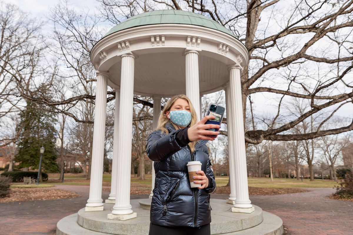 The first week of the semester is coming to a close and we are glad to have that Tar Heel energy returning to Carolina, in-person and remotely. Take a look at some of the views from this first week 📸 #UNC https://t.co/FyVuOUA5t3
