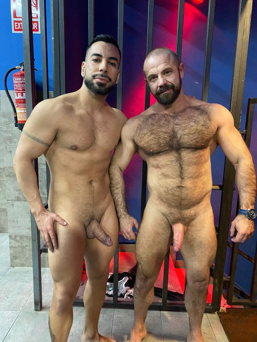 New CRUNCHBOY porn shoot done 😍😍 at @Boyberry_Madrid 😻 join us now https://t.co/evPryBgIHz with @noelsantoroxx