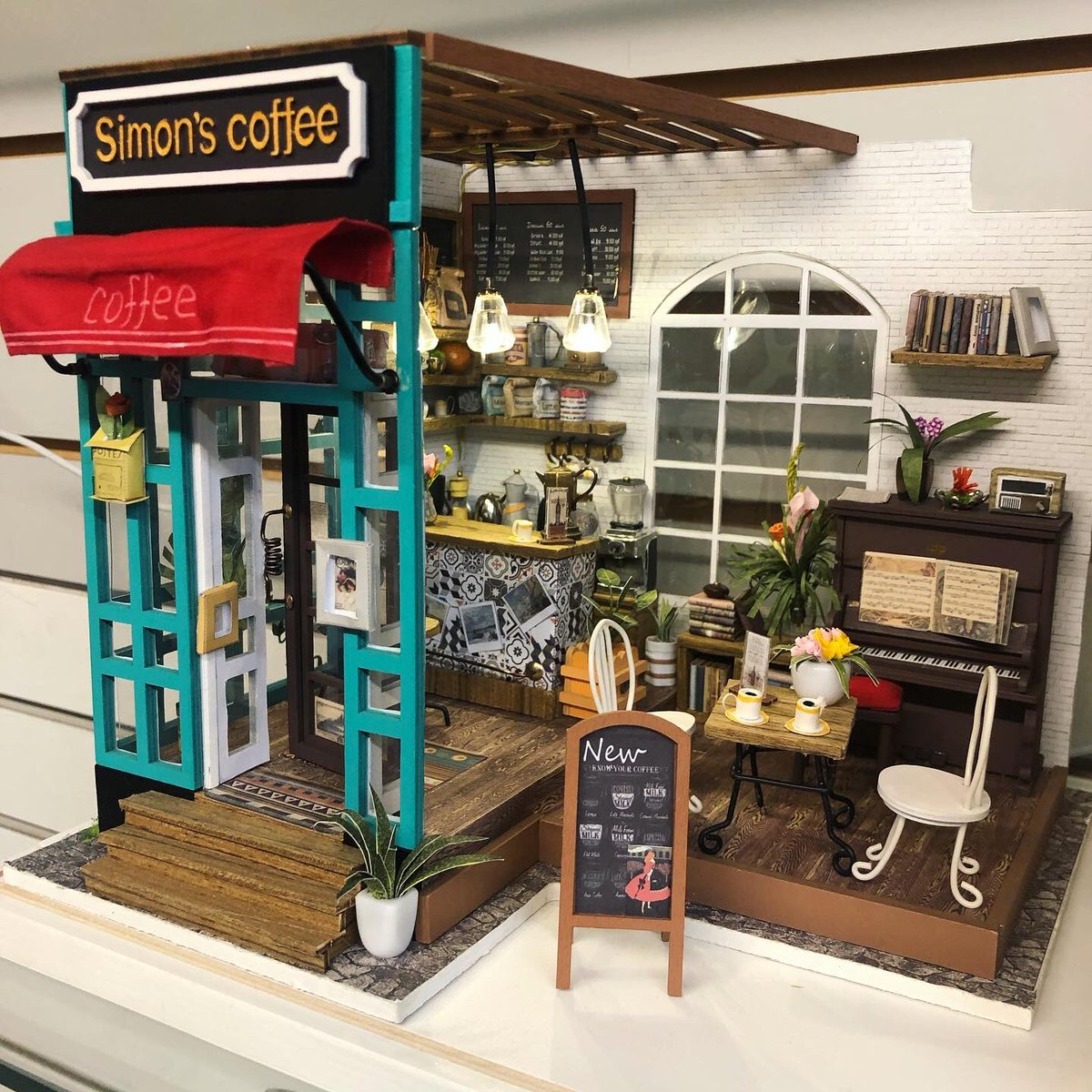 DIY Miniature Houses, lots of Uber Cool options to choose from. #shop519 #getdtl #diy #diyminiaturehouse #fun #lockdownlife #shoplocal #shopsmall #craft #coffeeshop #londonontario #localbusiness