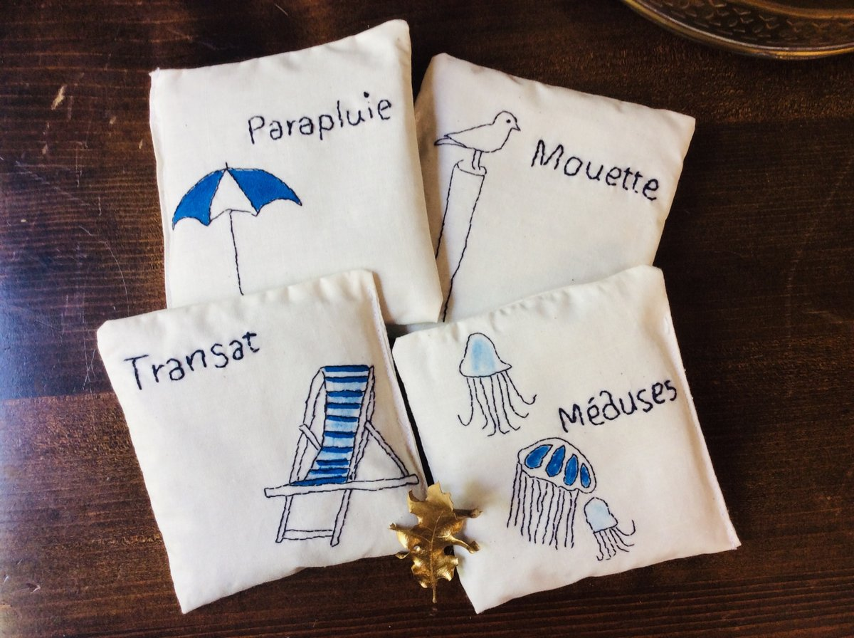 A LA MER Lavender sachet gift set with natural organic lavender buds, hand embroidered French words  #white #housewarming #thanksgiving #lavendersachets #organiclavender #sentedsachets #drawersachets #fragnancehome #mothawaysachet