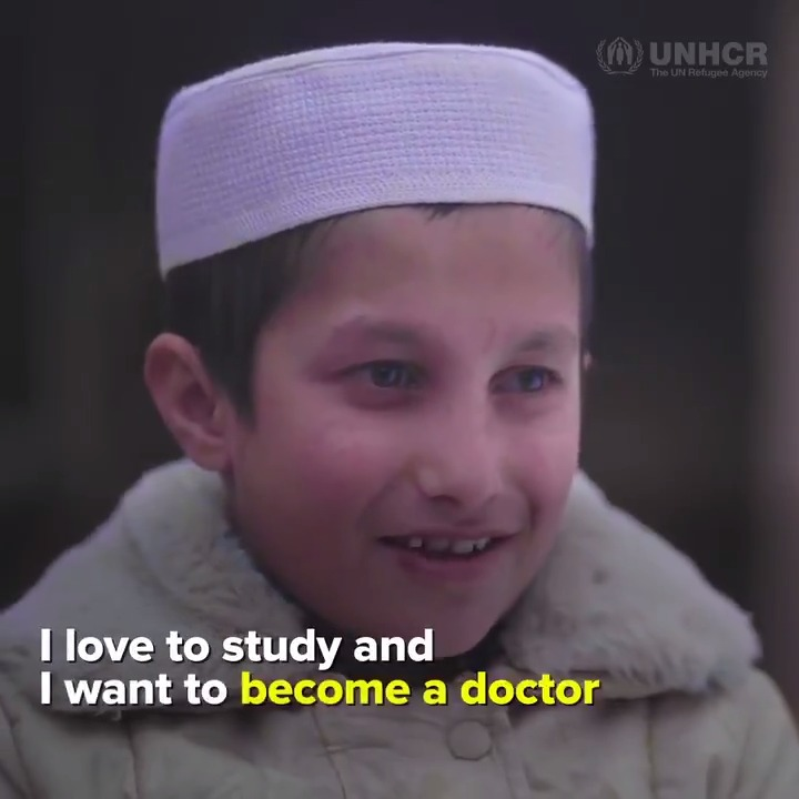 📚 Education can unlock dreams. For Khalil, that dream is becoming a doctor.   Thousands of refugee kids like him have been able to attend school, with the support of @EAA_Foundation and @qatar_fund.