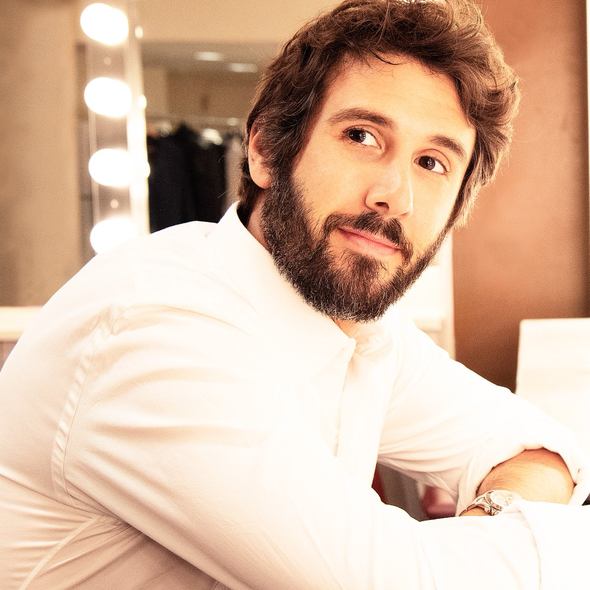 "Join the global superstar, Josh Groban for a concert of timeless songs and new music from his upcoming album Harmony. Tune in to ""Josh Groban: An Evening of Harmony"" tonight at 9pm.  #JoshGroban    #HarmonyAlbum  #AnEveningOfHarmony"