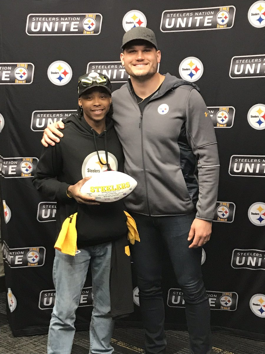 thanks #vancemcdonald for all your efforts and commitment to the team #Steelers @RenegadeBlitz @ItzYinzburgh @steelers #SteelersNation