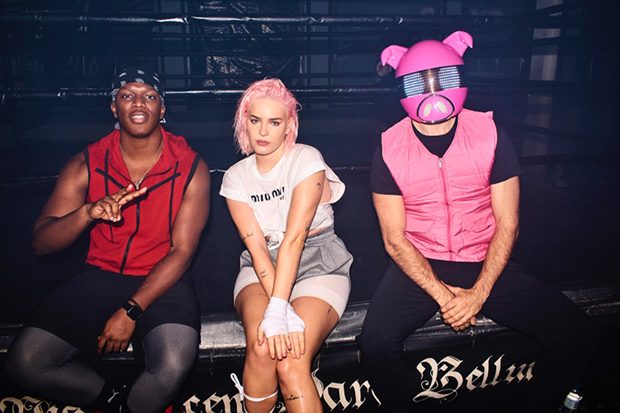 """An absolute bop! @AnneMarie teams up with @KSI & @DigiFarmAnimals for """"Don't Play"""":"""