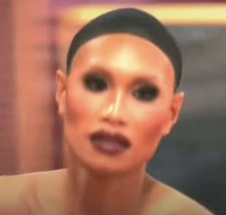 me, in the middle of doing a look, hopping in my car to grab dinner 💀 #DragRace