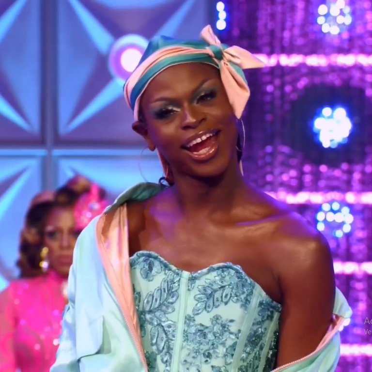 episode 3 and symone already won 2 challenges, can we crown her right now? #DragRace