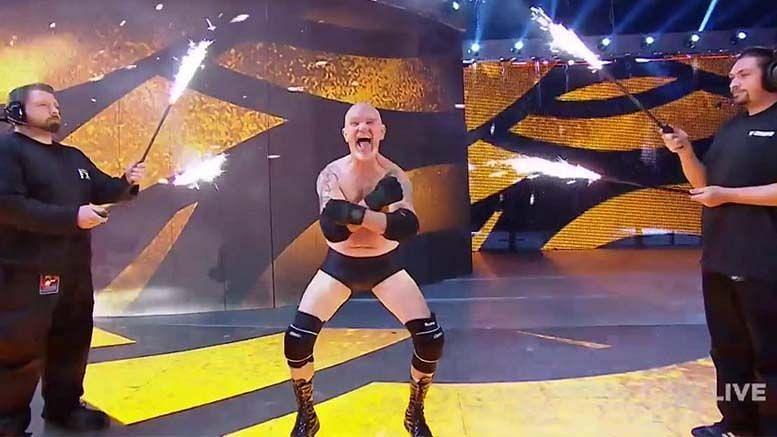 El que bookea #WWERAW. | El que bookea #SmackDown.