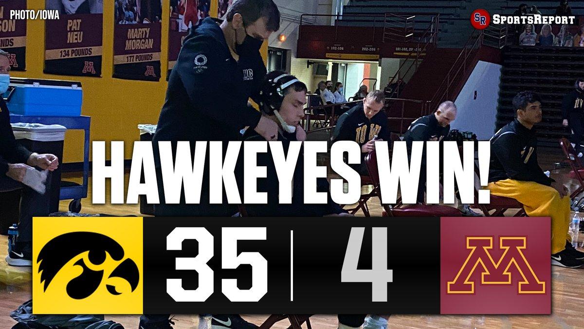 #HAWKEYES WIN!!! #Iowa Wrestling improves to 2-0!!