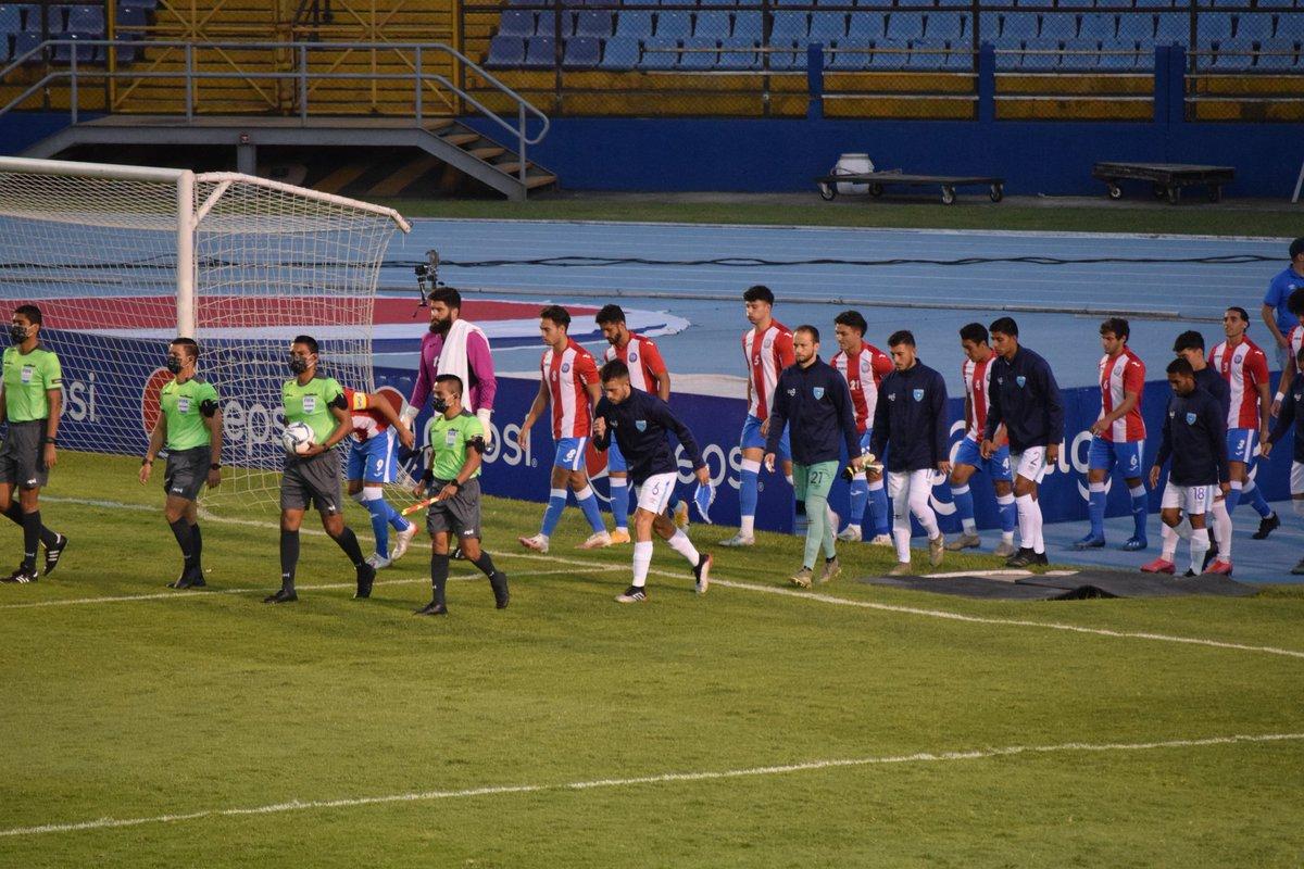🕛 YA JUEGA NUESTRA SELECCION 🕛  ⚽Comenzo el juego en el estadio Nacional. 🇬🇹Guatemala vs Puerto Rico 🇵🇷  #MásFutbol #VamosGuate #guatemalapower  #MasDeporte https://t.co/nyKbjVqK97