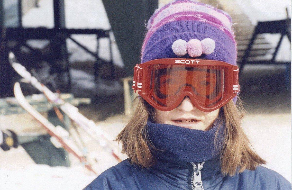 #IfYouWannaBeABaller come hit the black diamond slopes @montblancqc steep and high. #sports #sport #active #fit #TagsForLikes #blackdiamond #hills #skiier #skiing #winter #activity #action #adrenaline #thrill #FlashbackFriday #FollowFriday #FF #FollowForFollow #FollowME 🎿⛷️🏂