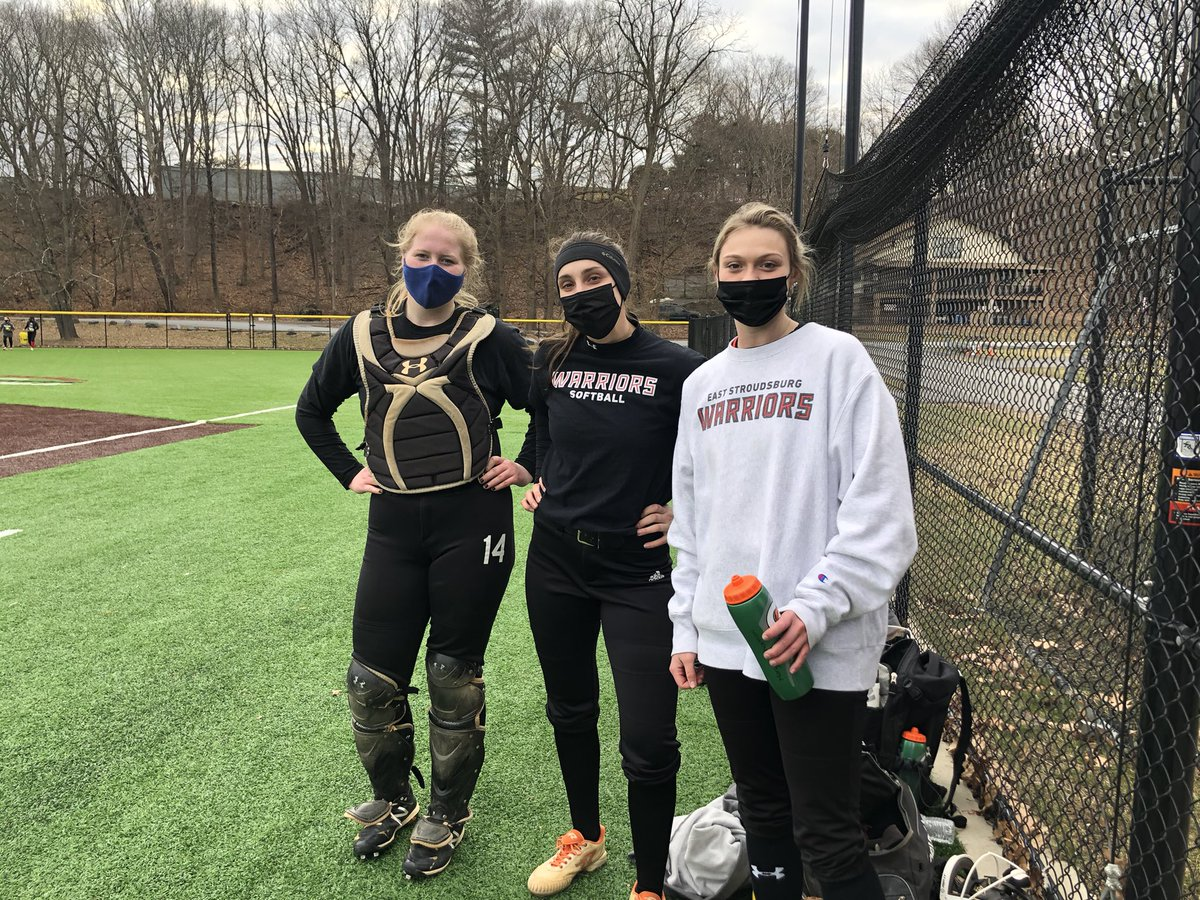 Day 3 in the books! Such a fun day outside again! Fielding some reps and getting some bullpens in with a wrap up of some base running! #WeAreWarriors #WarriorCountry❤️🖤