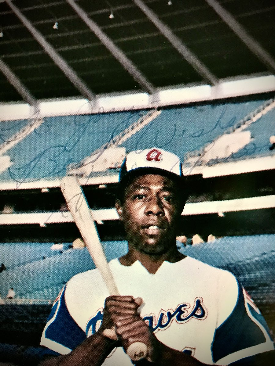 I was a huge #HankAaron fan as a kid. This is from 1970. I requested autographs from a lot of players & he was the only one to send an original with my name! Decades later with #SiriusXM I got to interview him at an All Star Game. What a thrill & what a gentleman! #RIPHankAaron https://t.co/fsBsNJ4LIO