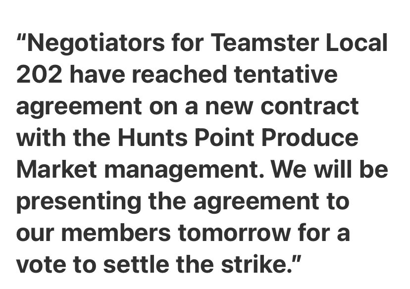 🚨 NEWS: @TeamstersJC16 Local 202 negotiators have reached a tentative agreement on a new contract.  If approved, the Hunts Point Market workers would return to work as soon as Sunday.