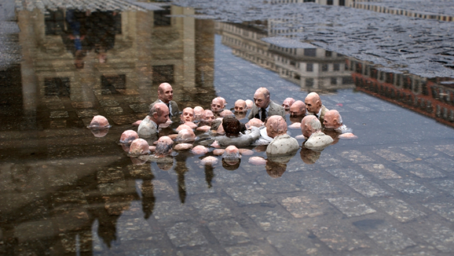 """I wish every single leader in the world saw this art work!  """"Politicians discussing global warming""""   by Spanish street artist Isaac Cordal https://t.co/BHH8MTPTEn"""