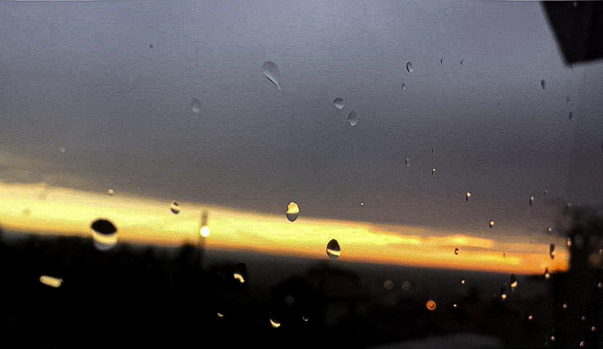 Good night everyone, have a nice night 🌃😁♥️ #night #rain #rainyday #nightlife #Nightsky #NaturePhotography #sunset #beauty #SupportSmallStreamers #SupportSmallStreams #YouTube #smallyoutubersupport #Like #follo4folloback #moon #world #Weather #cool #Instagram #pretty #follo4fol