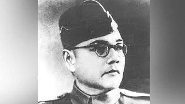 तुम मुझे खून दो मैं तुम्हें आजादी दूंगा!  आजाद हिन्द फ़ौज का गठन करने वाले महान सेनानायक, परम देशभक्त, महान स्वतंत्रता सेनानी नेताजी सुभाष चंद्र बोस को उनकी जन्म-जयंती पर शत-शत नमन। कृतज्ञ राष्ट्र देश की आजादी के लिए उनके त्याग और समर्पण को सदा याद रखेगा। #ParakramDivas