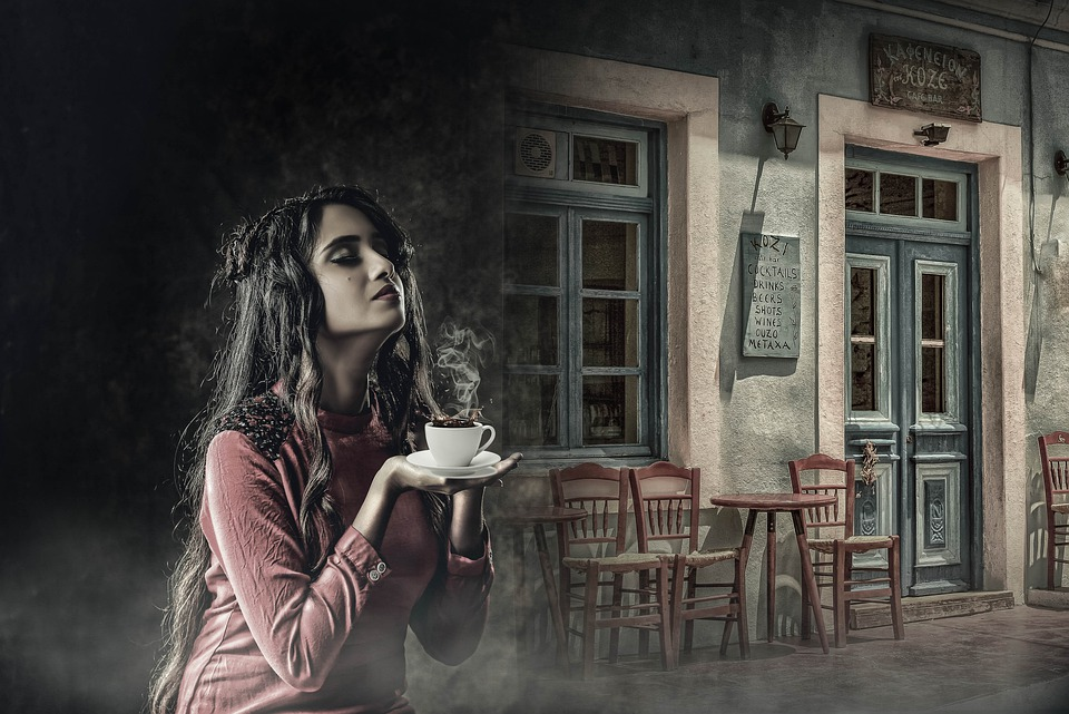 """WHY RUSH? Have a second cuppa coffee while you enjoy #SaturdayMorning with the vibey, vintage sound of @Comp_Animals' moody, seductive #BossaNova, """"SEMPRE AQUI,"""" on """"CAFÉ INTERNATIONALE"""" @RadioSparx..."""