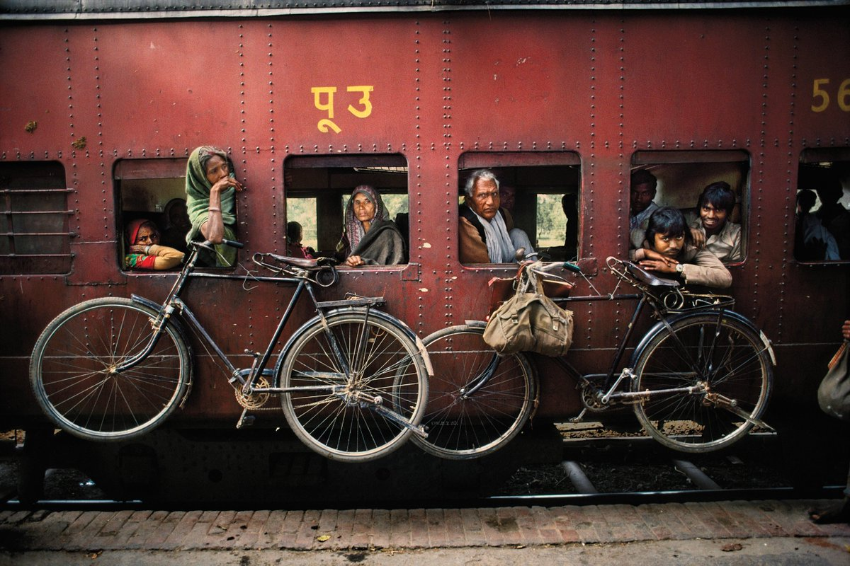 #Photography Steve McCurry (1983), West Bengal, india.