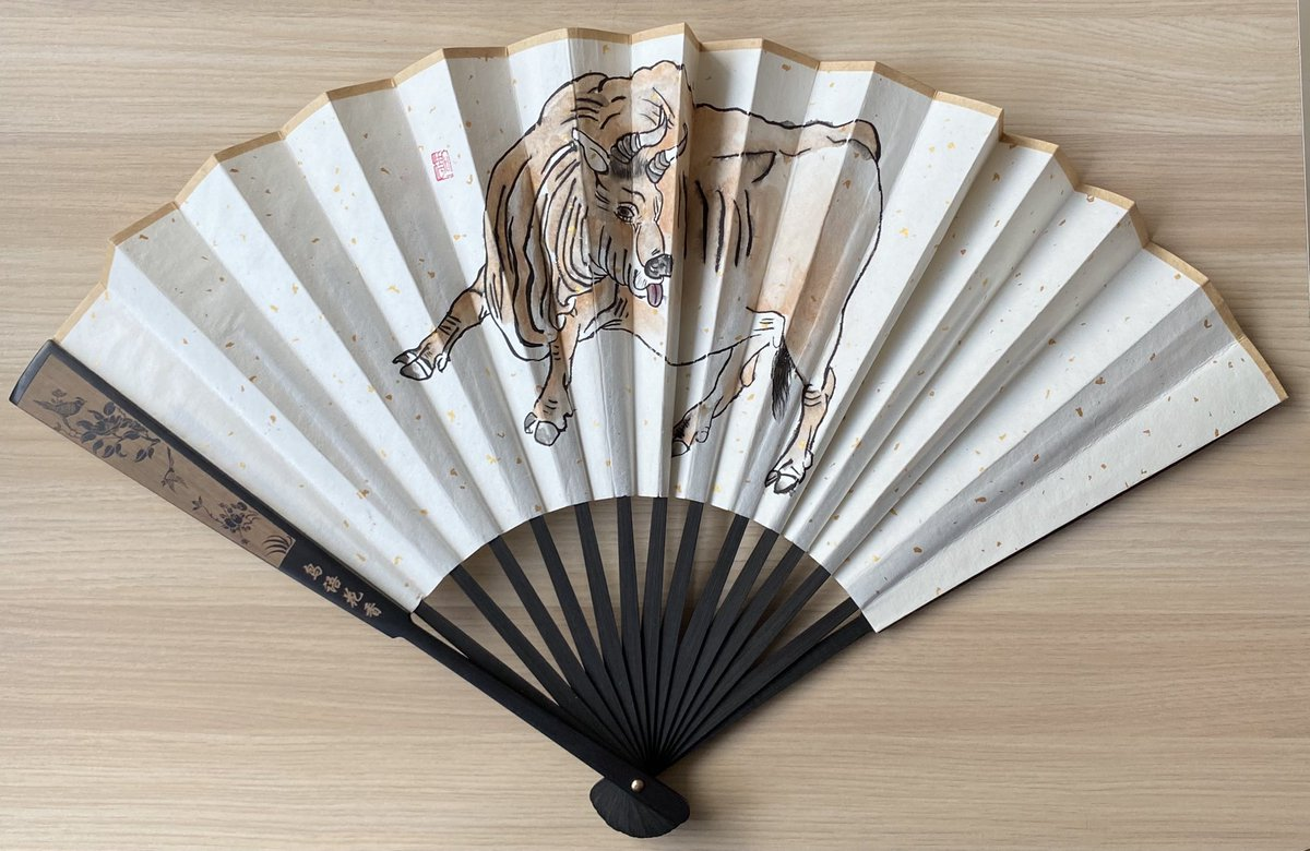 Another effort. Hand painted fan by Ethan for the up coming #CNY next year will be the year of the Ox. #ethansart #chineseart #chinesepainting #handfan #art #国画 #handdrawn #ChineseNewYear #牛
