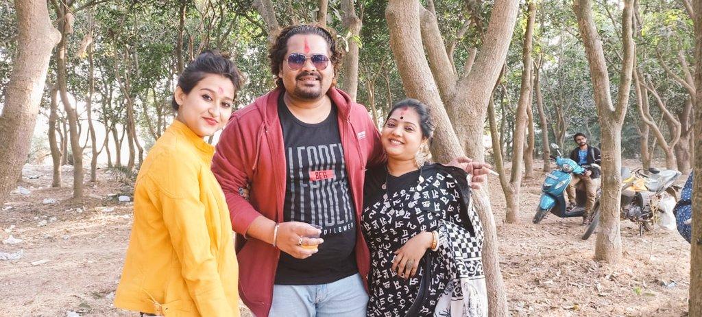 Life is simple and beautiful, We Human Complicate it !! ❤️  Be Grounded Enjoy Life.. 🙏  #bolpur #sisterlove #friendship #Riverside #shantiniketan #beauty #beautiful #happiness #musician #actor #desi #thevoicemachine #fahrukhomar https://t.co/XWku7OdGqg