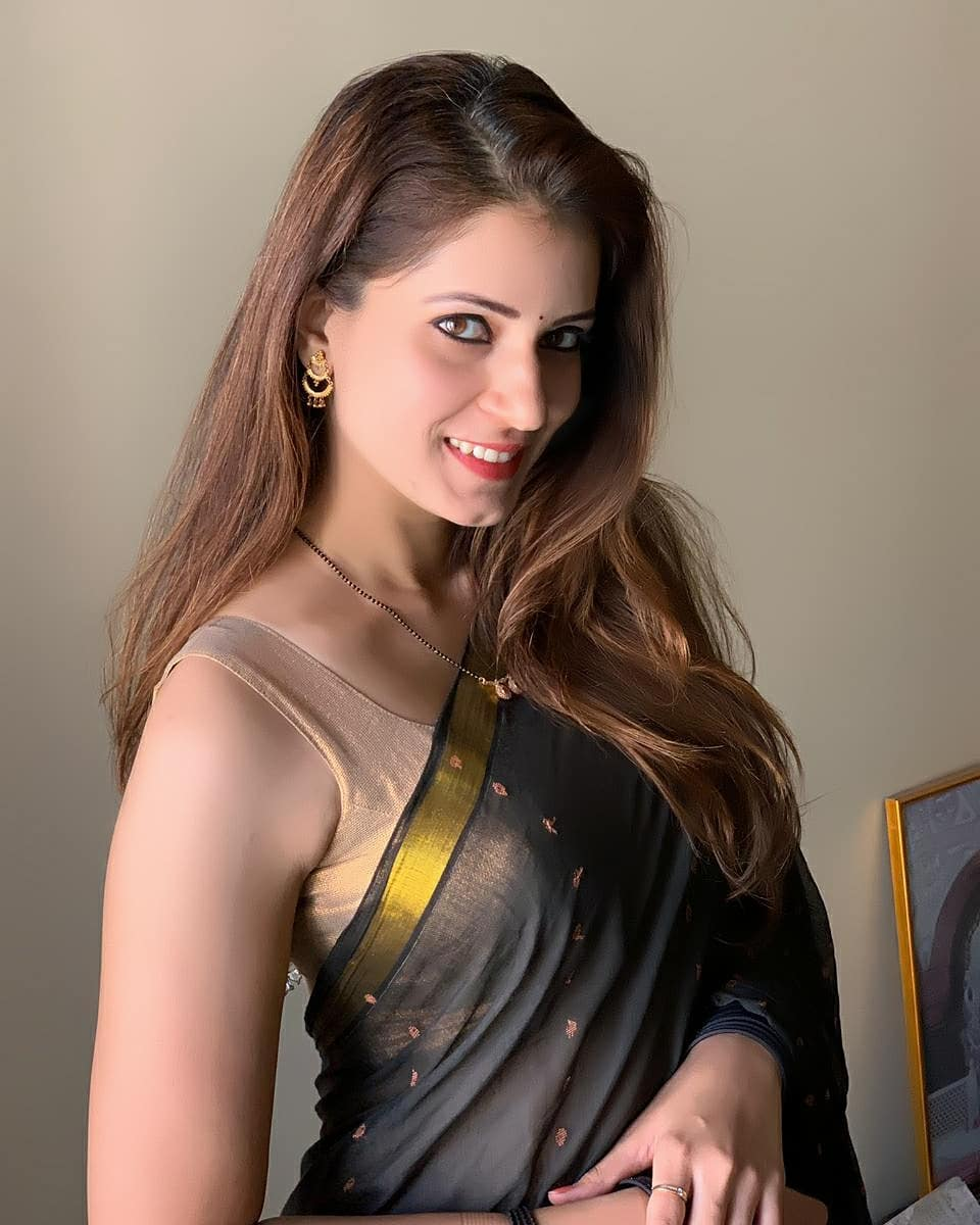 अभिनेत्री सरिता मेहंदळे 😍😍😍 . . . @sarita_mehendale_joshi   #SaritaMehendale #actress #marathiactress #marathi #beautiful #gorgeous #cute #marathiabhinetri #maharashtra_ig #marathi_ig #marathimulgi #marathigirls #marathistars #repost https://t.co/WThjN8Ny1g