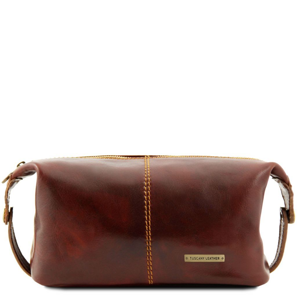 Roxy - Leather toilet bag ———  SHOP NOW🛒 ———  https://t.co/YpgVm4tetJ   #cocoross #bags #fashion #bag #shoes #style #accessories #handbags #love #instagood #photooftheday #beautiful #art #happy #fashionweek https://t.co/A5kiy8FWzE