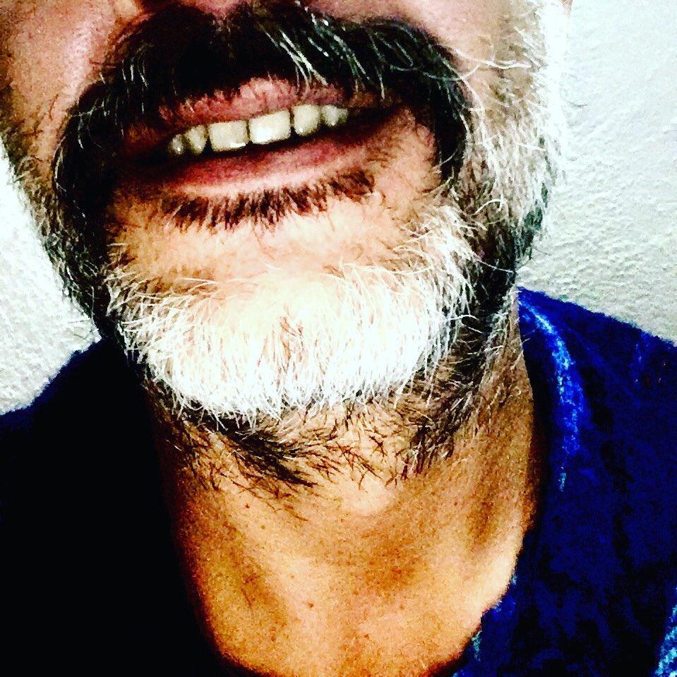 #bigotespalabanda #bigote #barba #barbaspalabanda #beard #smile #sonrisa