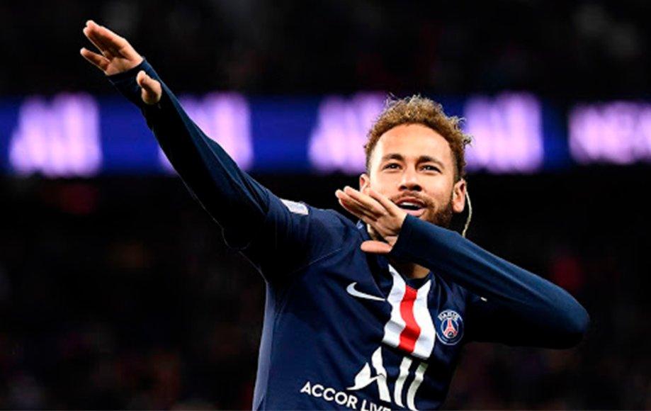 Con el gol de hoy #NeymarJR (28) llego a su partido número 100 con la camiseta del #PSG. Números brutales:  📌100 Partidos 📌80 Goles 📌46 Asistencias 📌10 Títulos  El brasileño llegó hace 3 temporadas y ha demostrado toda su clase. La gran figura en el equipo de Pochettino. TOP.