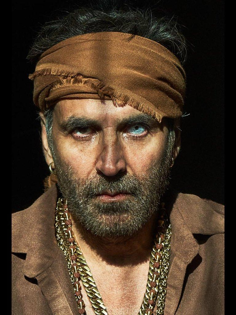 Here's our @akshaykumar in & as #BachchanPandey eyeing on you & theatres too🔥 Catch #SajidNadiadwala's Gangster in cinemas on 26th Jan, 2022  Dir by @farhad_samji   @kritisanon @Asli_Jacqueline  @ArshadWarsi @TripathiiPankaj @prateikbabbar @saharshshukla6  #Abhimanyu @NGEMovies