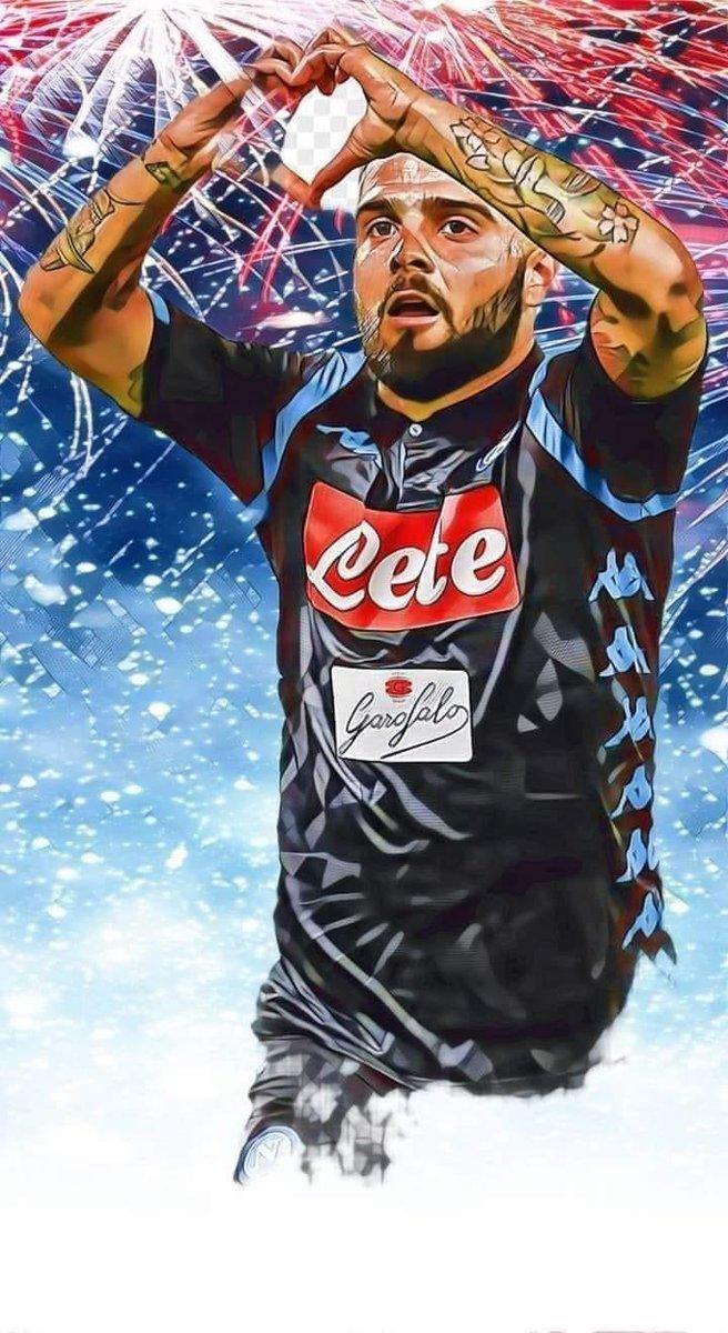#D10S #LEGGEND💙💙💙  Una parte di tifosi del Napoli, sono anche peggio dei tifosi della #MAFIAT, vergognatevi.😡  Buongiorno tifosi azzurri nel mondo 💙❤️💙  #ForzaNapoliSempre 💙💙