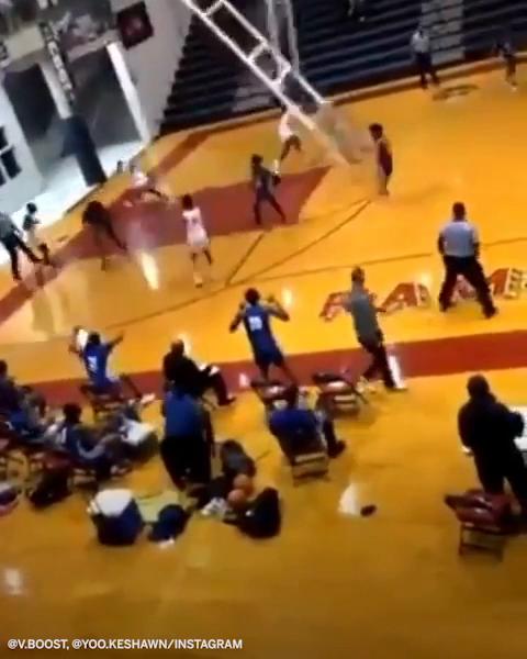 A scary moment as the entire basket fell down.   (via @Videoboostt1, @kballer_21)