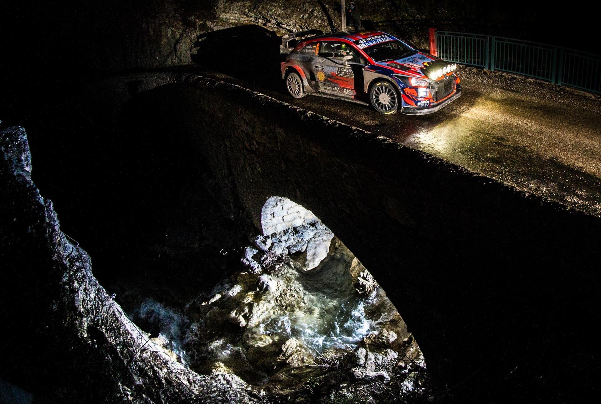 WRC: 89º Rallye Automobile de Monte-Carlo [18-24 Enero] - Página 10 EsZUJEiXAAYiHSi?format=jpg&name=large