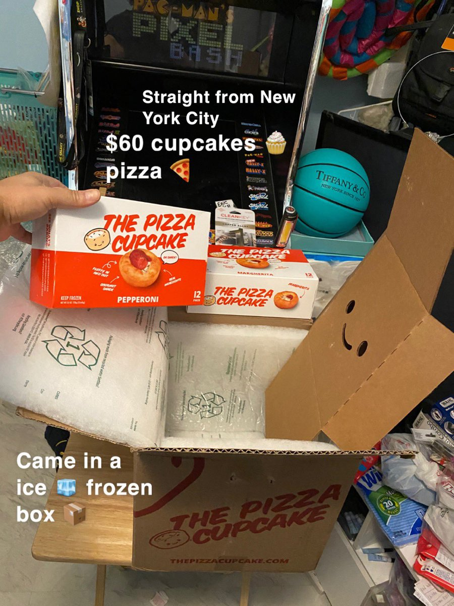 Pizza 🍕cupcake #stonergirl #thegrove #pizza #blm #money #anime #vibes #starbucks #cubs #college #food #twitch #rich #girls #ootd #cute #kpop           #bio #party #fyp #TikTok #illinois #ps5     #holiday #sad #viral #homeless