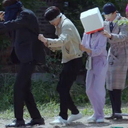 the way sejeong holding onto sehun...PEAK DEVASTATION 😭💕  #SEHUN #세훈 https://t.co/16Eg6GAKvM