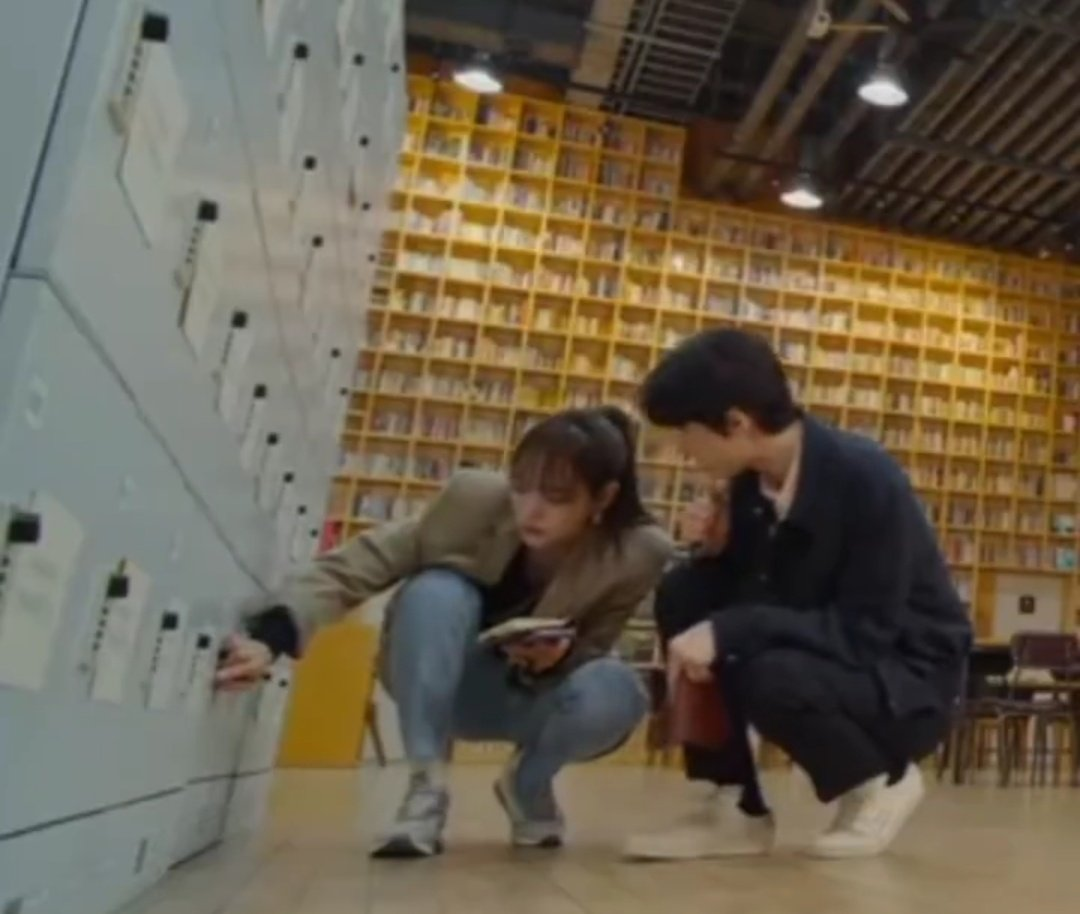 If they were this comfortable from Season 1 & 2, I think they would have solved a lot of cases.  I was more than amazed on how Suho was close to Sejeong. Look at the scene on upside 1 when Suho never let go of Sejeong. That was nice to see!😍  #BustedSeason3 https://t.co/QcTfwMQvMH