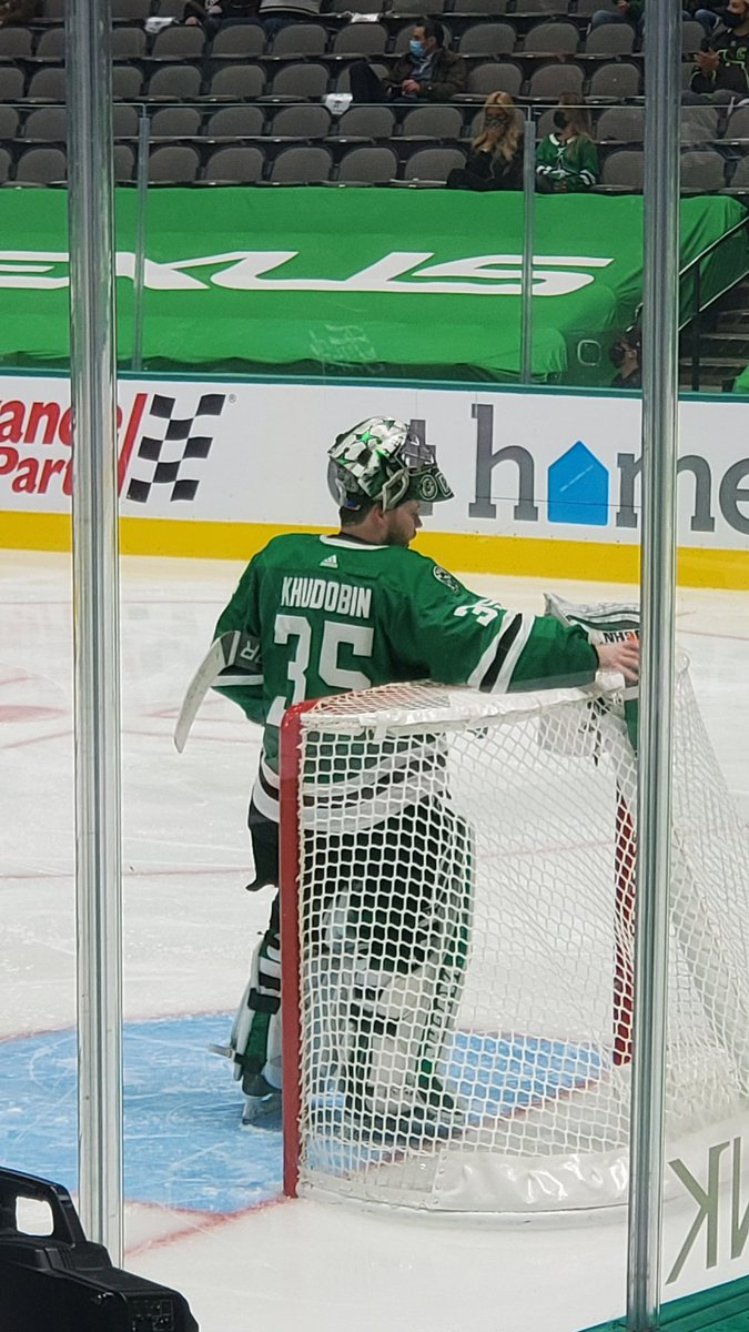 @spittinchiclets ...  Just...wow. 7 in 2 periods. #NotABigDeal   Dob was #Gassed ⛽   #GoStars  #GreenGetsPoints ♻️